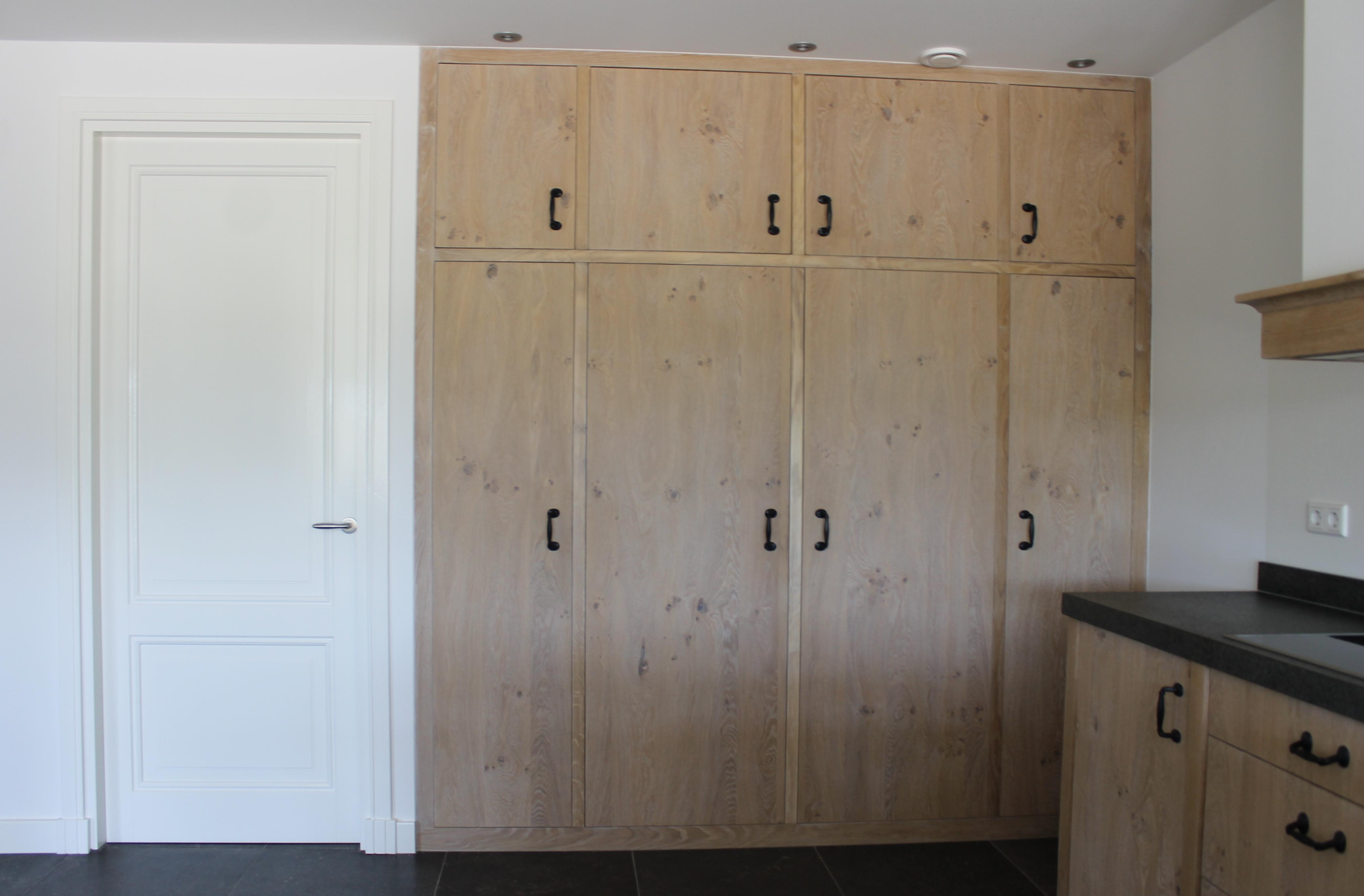 Timmerwerk keukens, houten keukeninrichtingen, ombouw ...