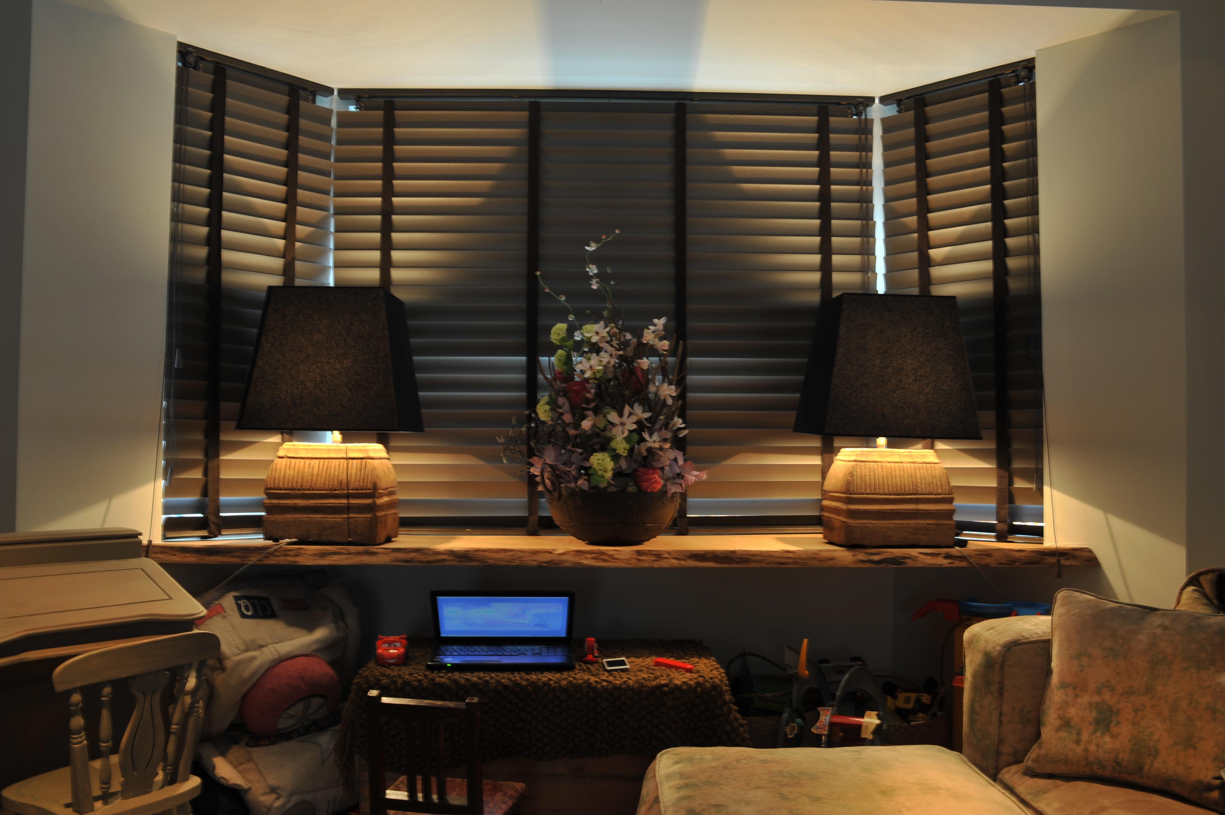 Houten vensterbanken of venstertabletten timmerwerk for Vensterbank decoratie hout